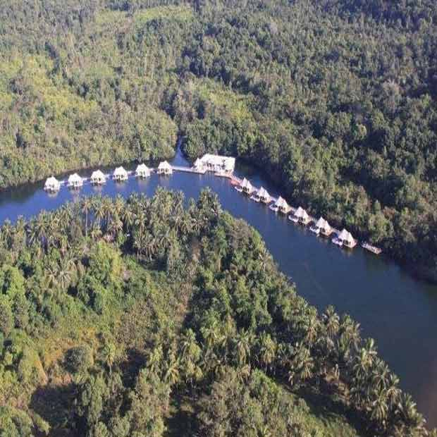 Lodge 4 Rivers Floating
