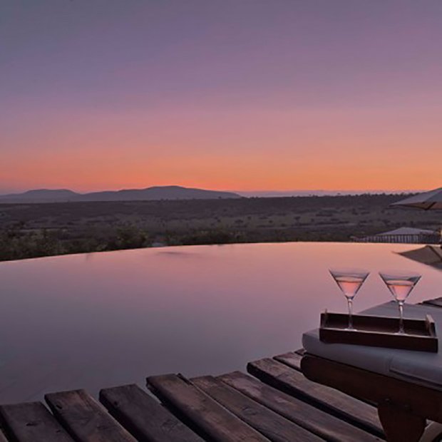 mara-camp-piscine-vue-misterlodge-lodge-kenya