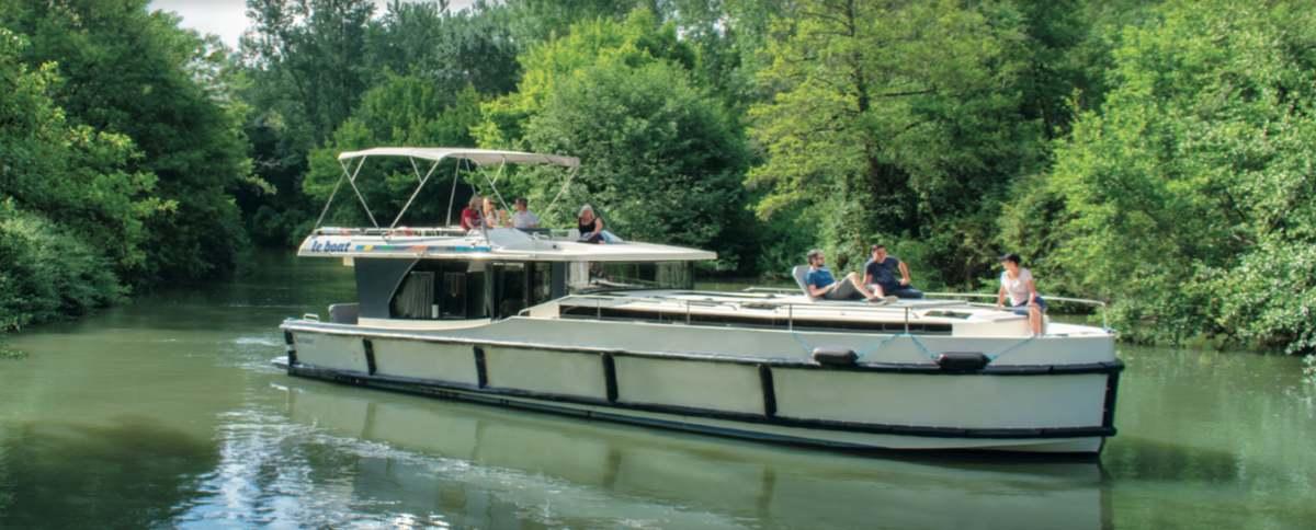 le-boat-misterlodge-fluvial